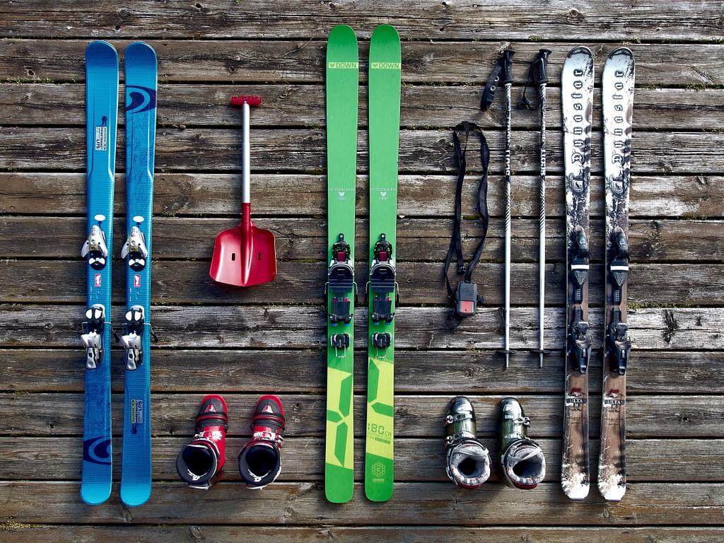 Ski_Equipment