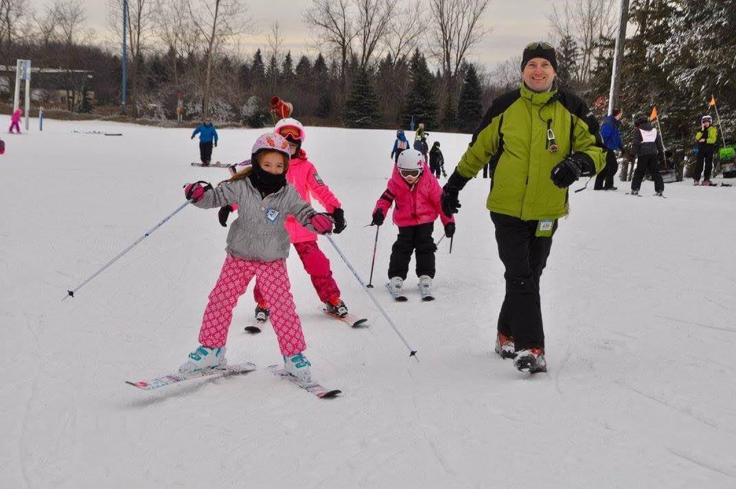 Instructor_Winter_Walden_Ski_Students