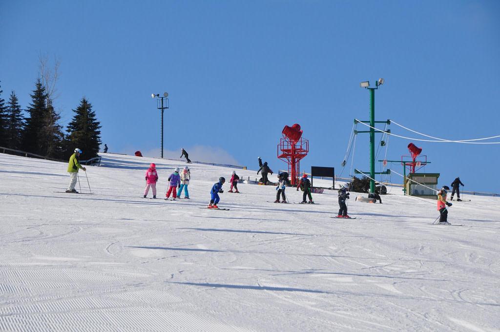 Kids_Skiing_Pine_Knob