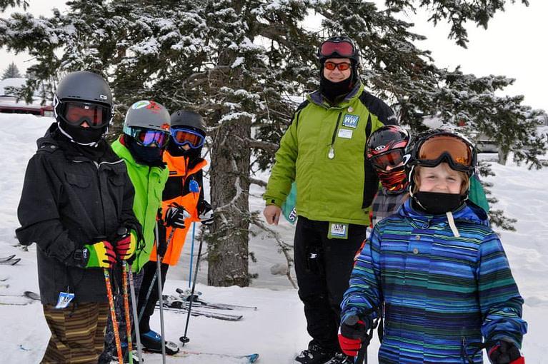 Kids_Posing_With_Ski_Instructor_Pine_Knob