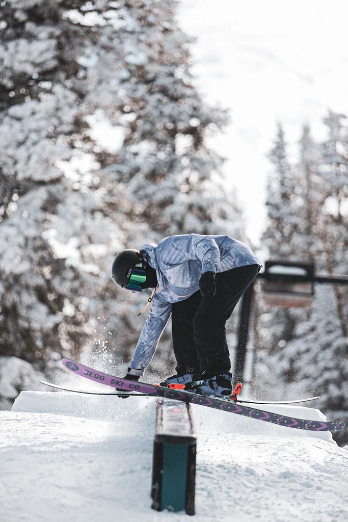 Skier_Riding_A_Rail